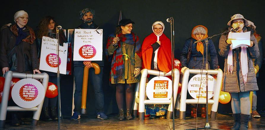 Video Frauentag Rollatoren Aktion DGB Jugend Bielefeld