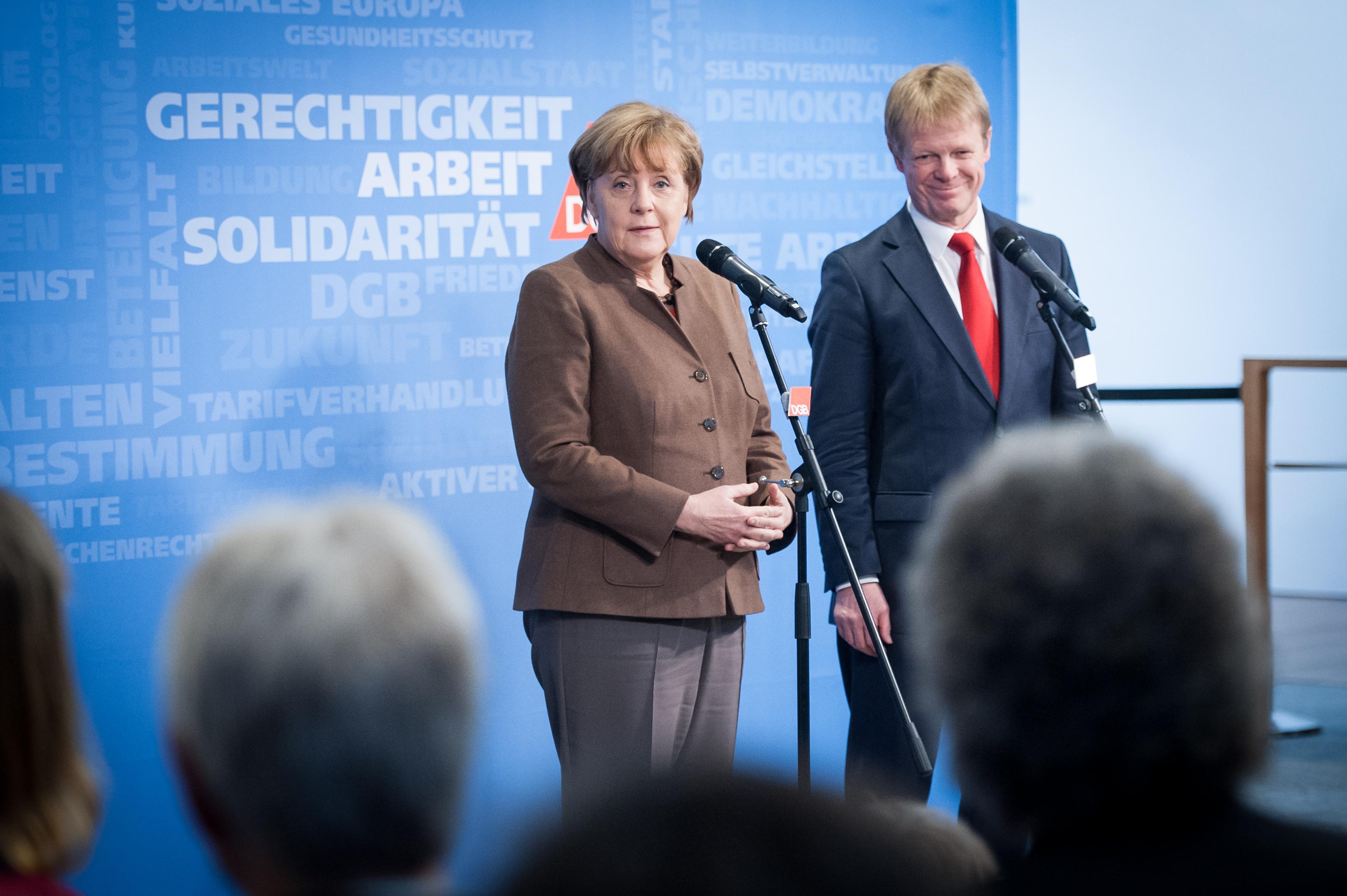 Statements des DGB-Vorsitzenden Reiner Hoffmann und von Bundeskanzlerin Angela Merkel